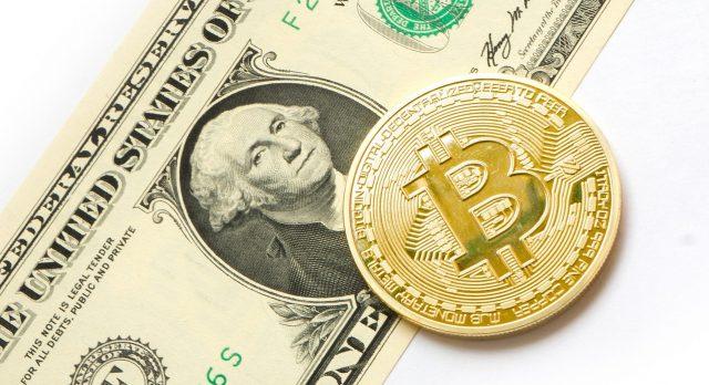 Dollar vs Bitcoin myths image courtesy of pixabay